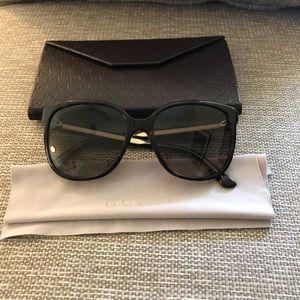 Authentic Gucci Sunglasses w/ case and satin cloth